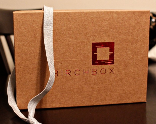 Sparkly headband, oh sparkly headband. My favorite item in this box. Mainly because I haven't been able to justify dropping $5 for you myself. Thanks Birchbox for purchasing it for me.